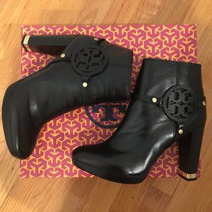 🔥 SALE - NWOT TORY BURCH WHITNEY BOOTS SIZE 10